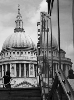 Reflections. St Paul´s Cathedral (London)